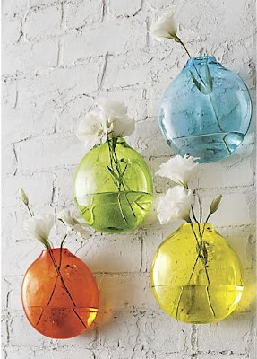 chica-wall-vases1